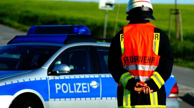 polizei, feuerwehr, sperrung