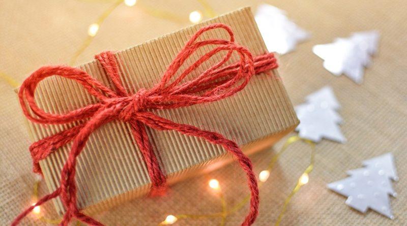 weihnachten im schuhkarton leser helfen lesern bayern. Black Bedroom Furniture Sets. Home Design Ideas